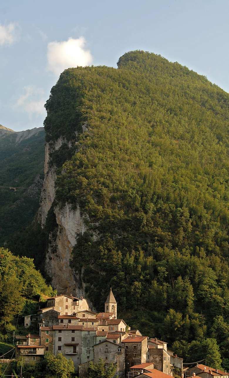 Il borgo di Equi Terme