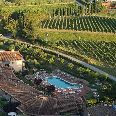 Panoramic Hotel Sovestro with two swimming pools and large park near San Gimignano