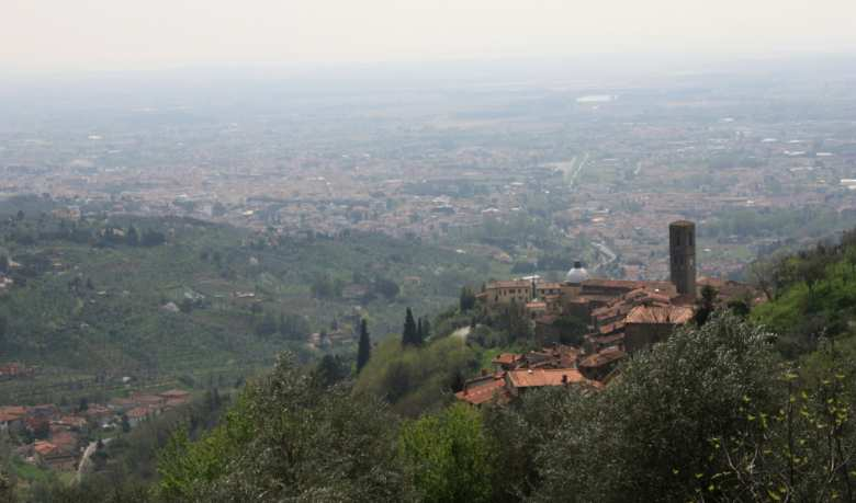 Panorama of Massa and Cozzile