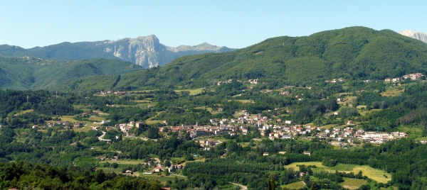 Camporgiano from San Romano in Garfagnana