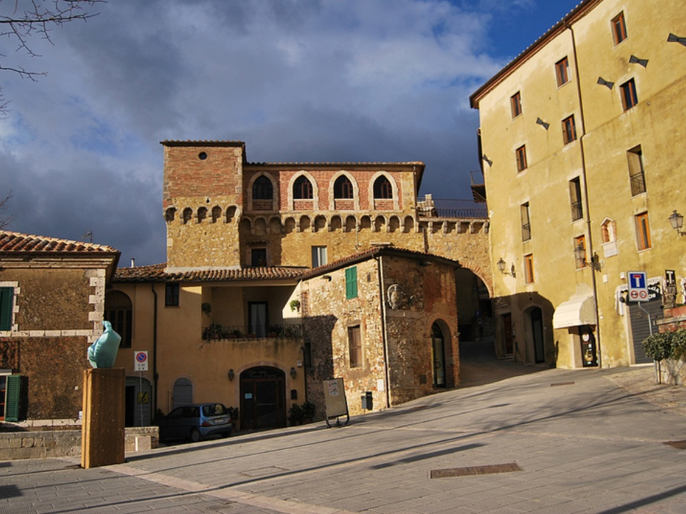 38 charming small towns in tuscany for Deghi bagni