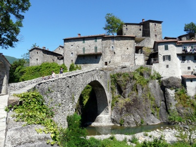 San Michele (Piazza al Serchio) bridge and village