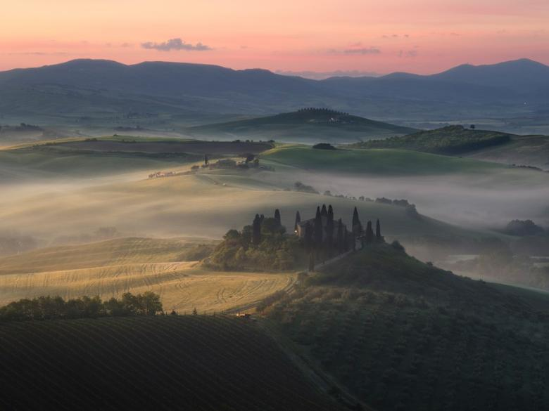 San Quirico d'Orcia – The sunrise overlooking the Val d'Orcia
