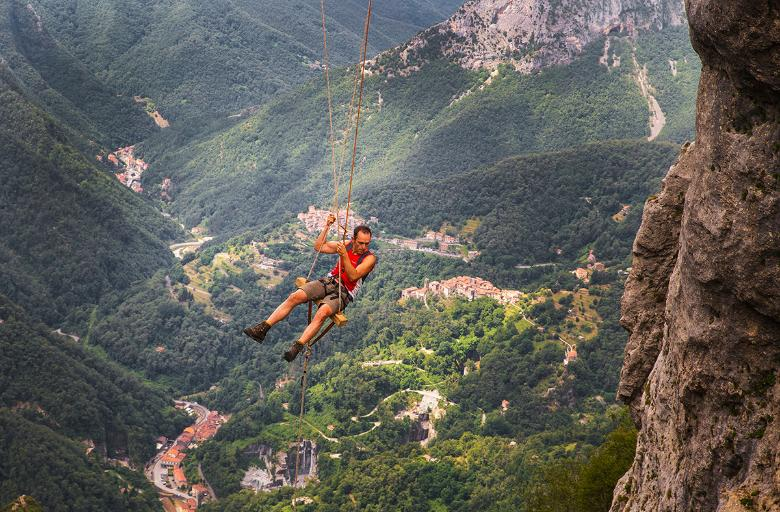 The swing on Monte Forato, the Apuan Alps