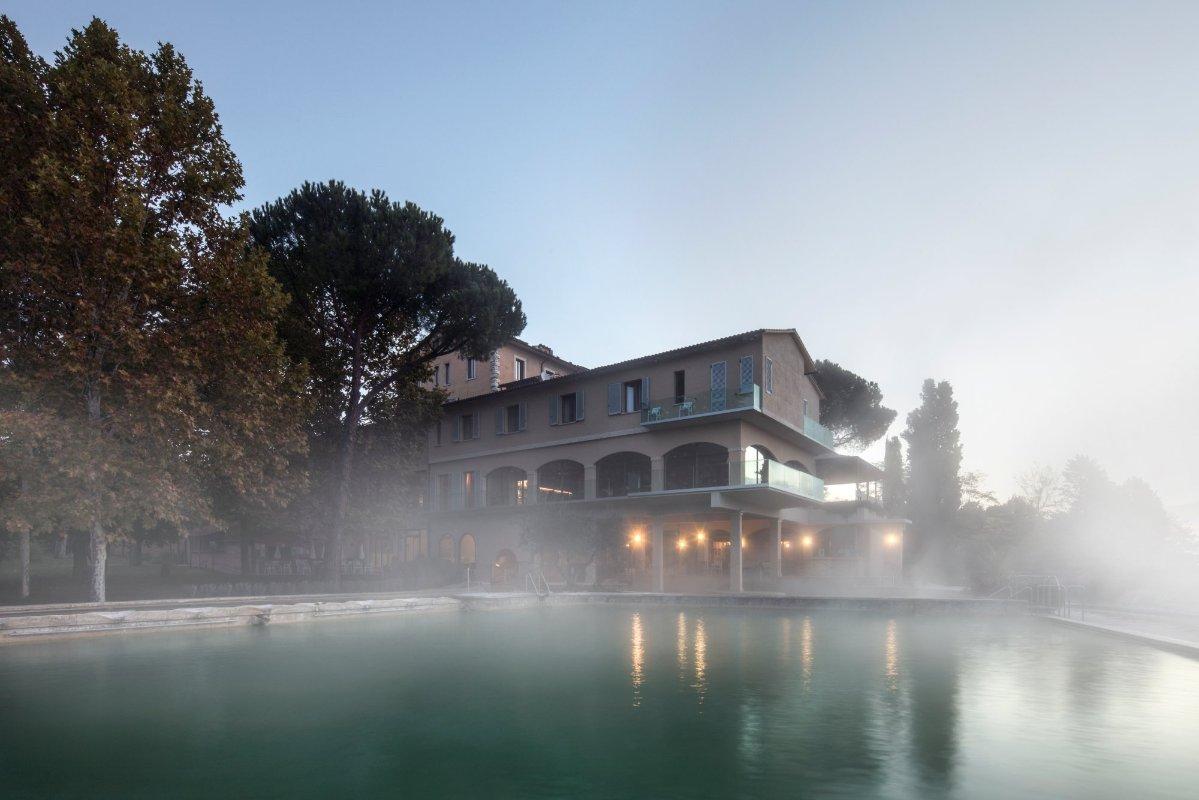 Le terme di posta marcucci a bagno vignoni visit tuscany - Bagno vignoni hotel posta marcucci ...