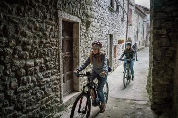 e-bike tour in Lunigiana