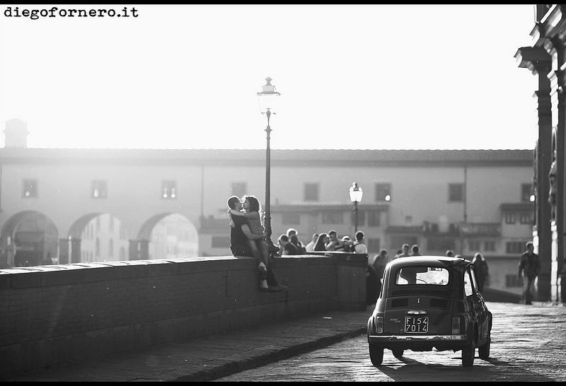 Car in Florence at Ponte Vecchio [Photo Credits: Diego Fornero]
