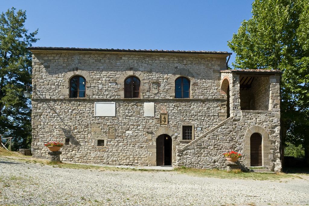 Caprese michelangelo birthplace of an artistic genius for Idea casa arezzo