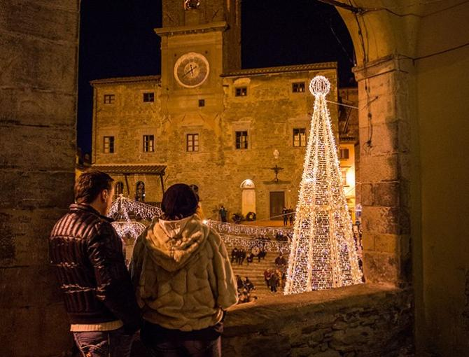 A romantic view of Christmas in Cortona