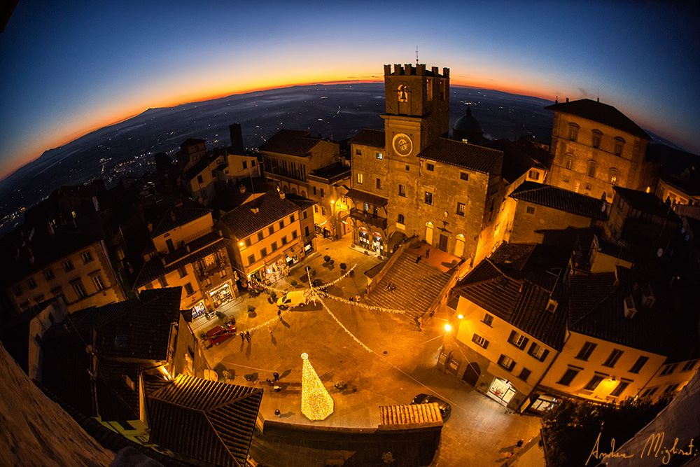 Cortona at sunset in December [Photo Credits: Andrea Migliorati]