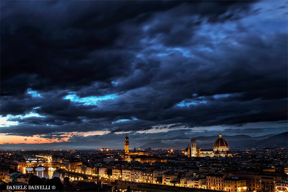 Florence by night [Photo Credits: Daniele Dainelli]