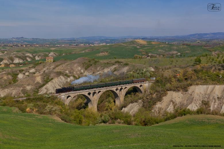 Nature Train on the Montalceto viaduct, Poggio Pinci