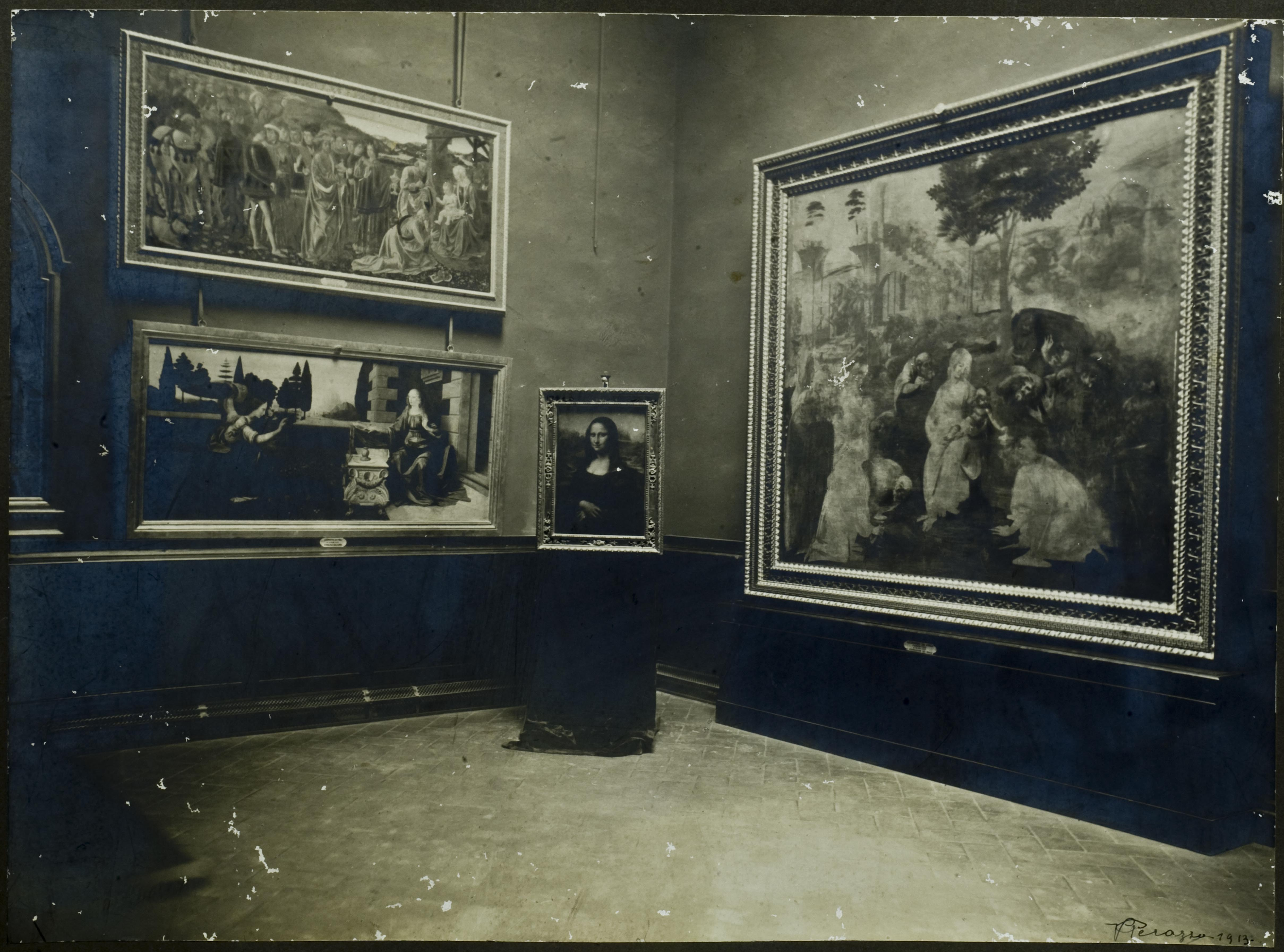 Photograph of the Leonardo Room in the Uffizi, from the Archivio delle Gallerie Fiorentine, documenting the Mona Lisa in the Uffizi, where it was exhibited for a few days in 1914 following its theft from the Louvre in 1911 and discovery in Florence in 1913.