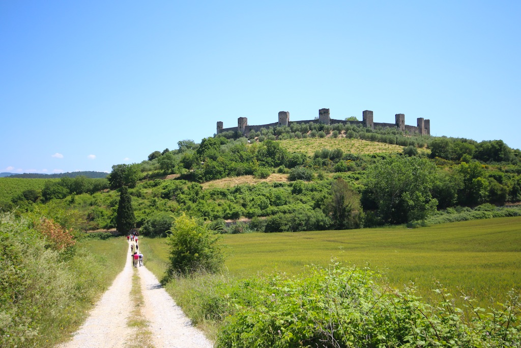 Via Francigena route from Abbadia Isola to Monteriggioni - Photo Credits: Kinzica Sorrenti