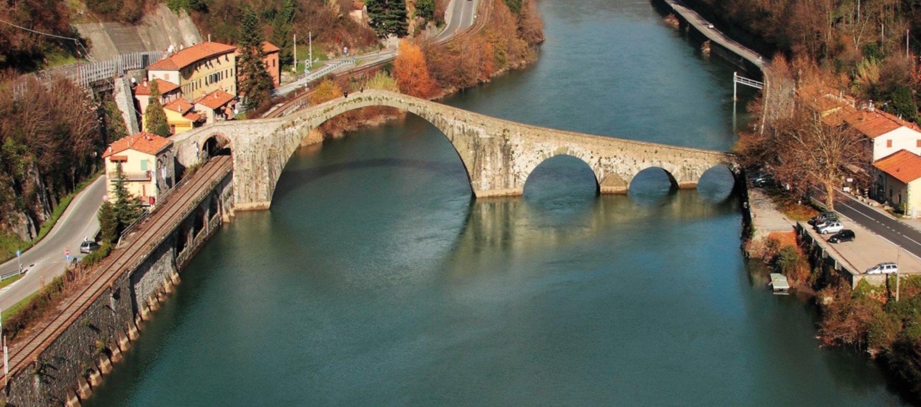 Il ponte del diavolo visit tuscany for Disegni di ponte a 2 livelli