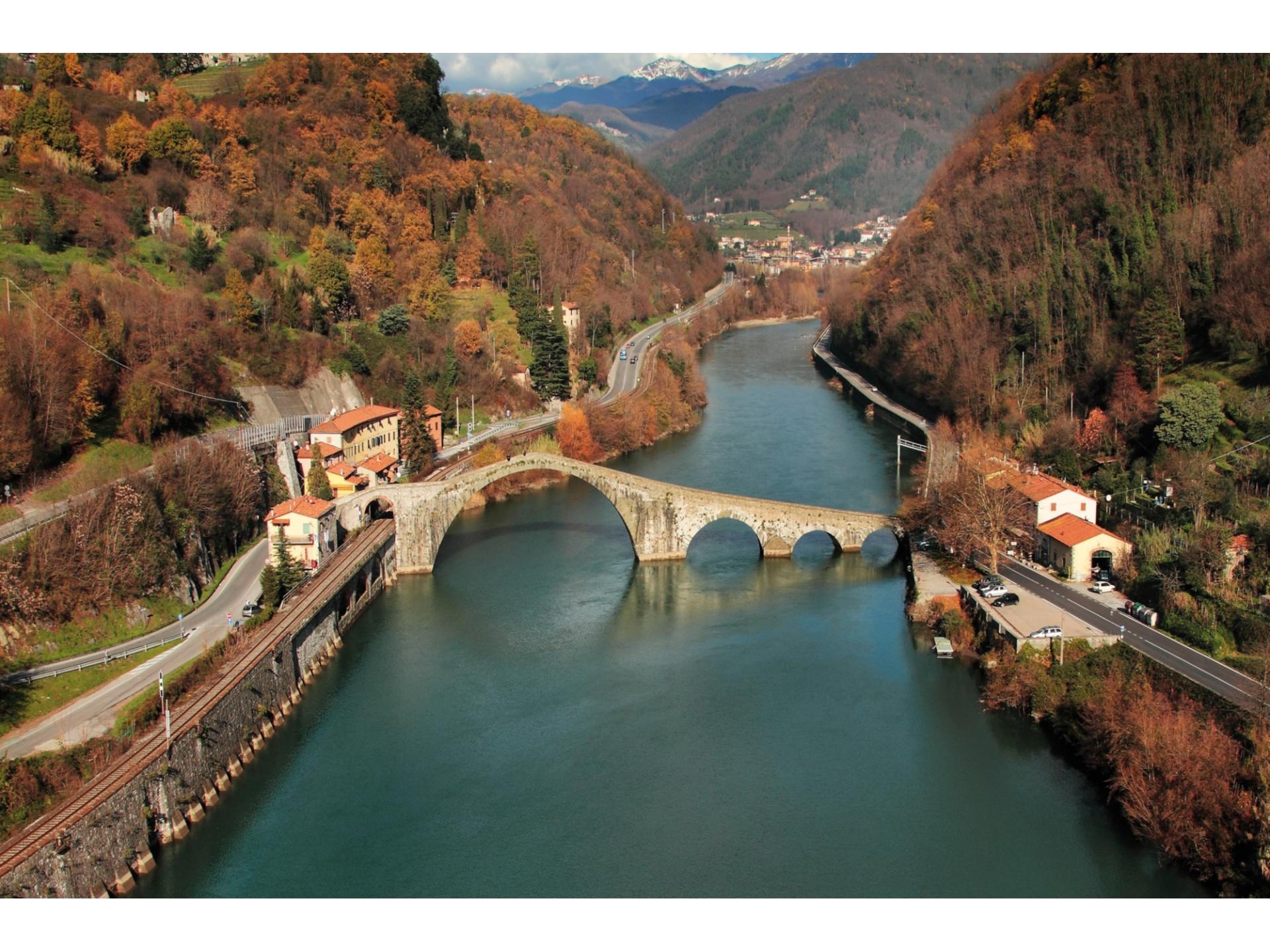 I 5 ponti pi belli della toscana un tuffo indietro nel for Piani di fondazione del ponte