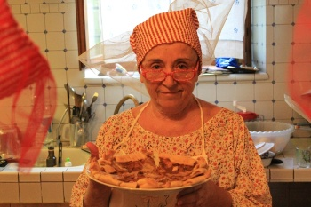 Lubiana made a great vegetable pie: herbs, tomato, celery and carrots