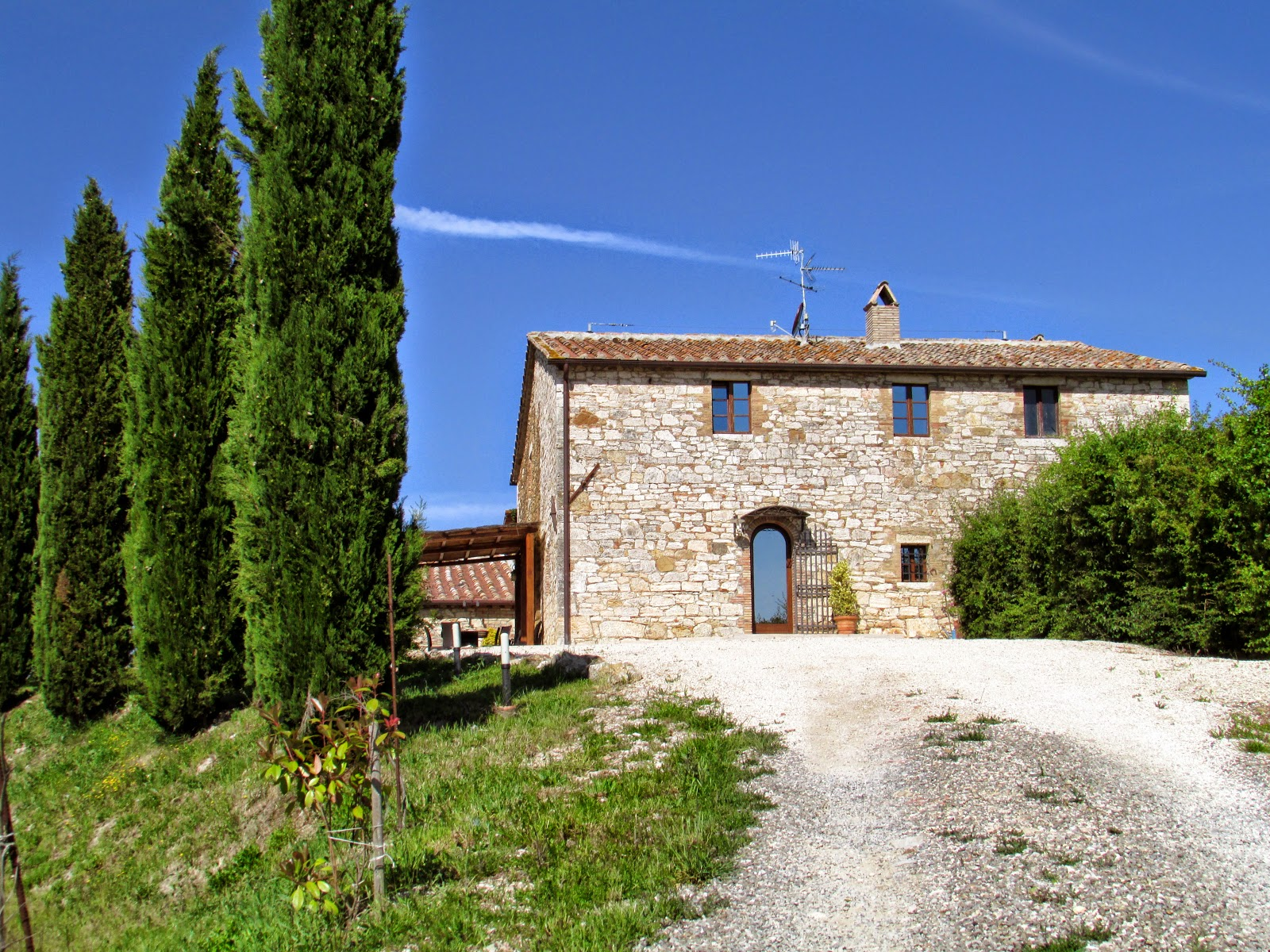 A farm-house in Val D'Orcia [Photo credits: Lorena Terenghi, photo taken at Podere Spagliarda]