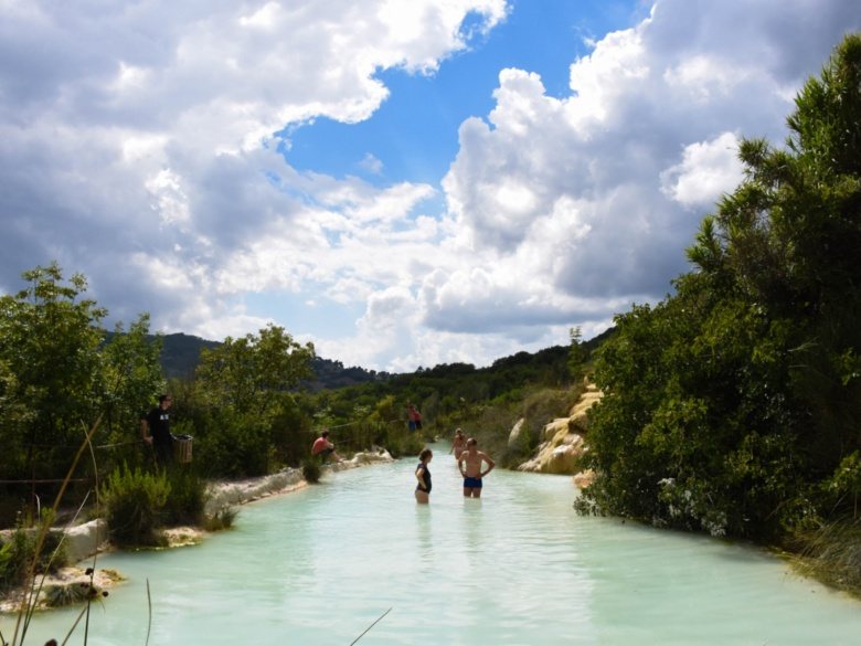 Bagno Vignoni: hot springs in Val D'Orcia