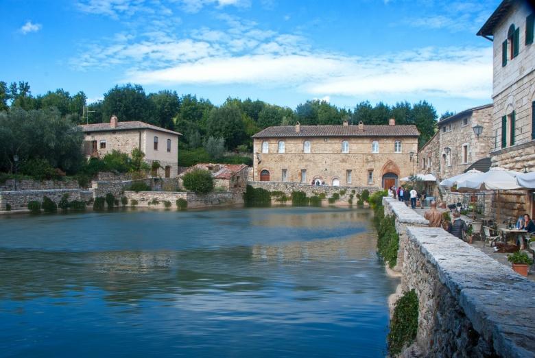 Terme di bagno vignoni visit tuscany for O bagno vignoni