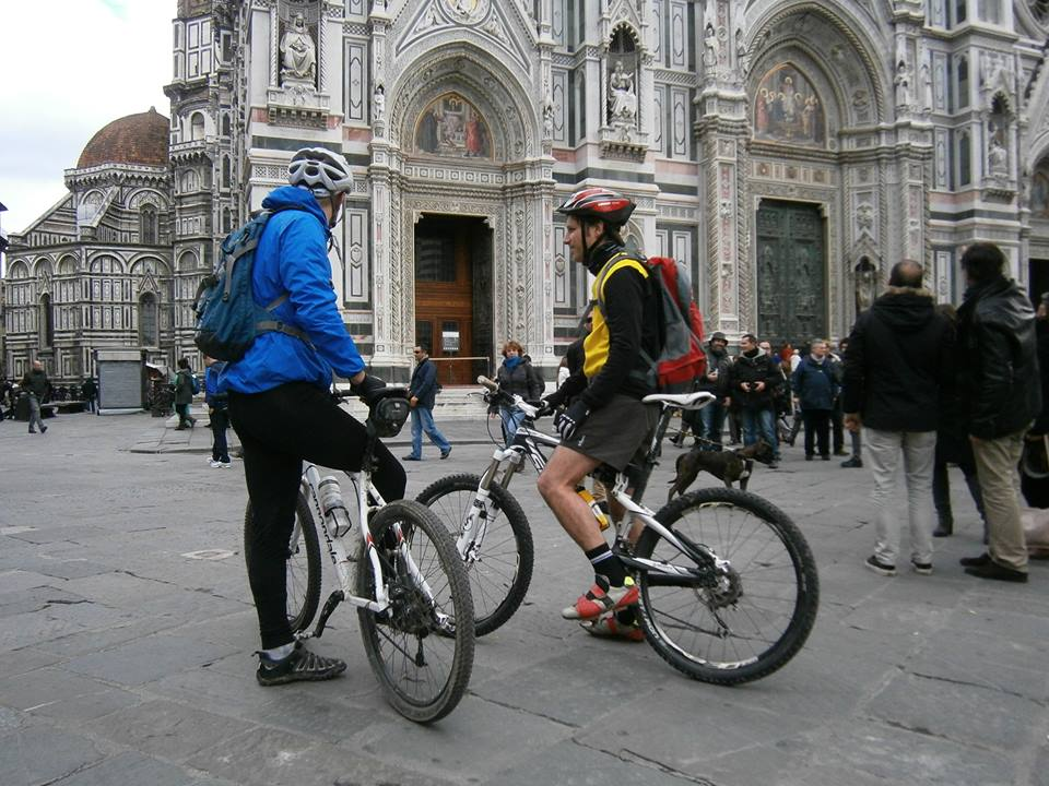 Florence by bike [Photo Credits: Fiesole Bike]