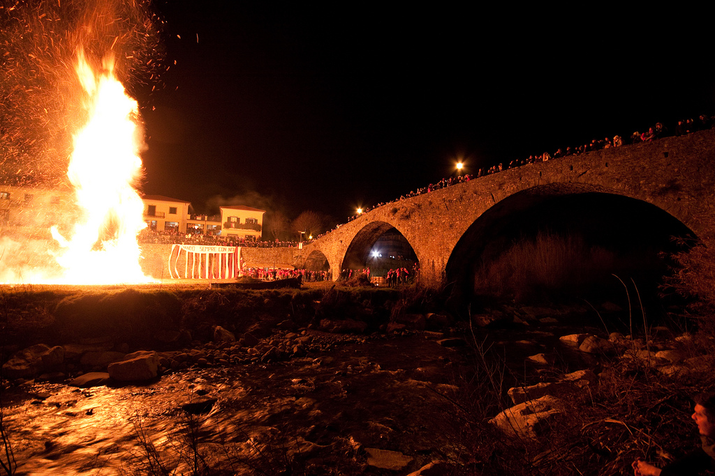 The bonfires of Pontremoli - San Geminiano [Photo Credits: Francesco de Januariis]