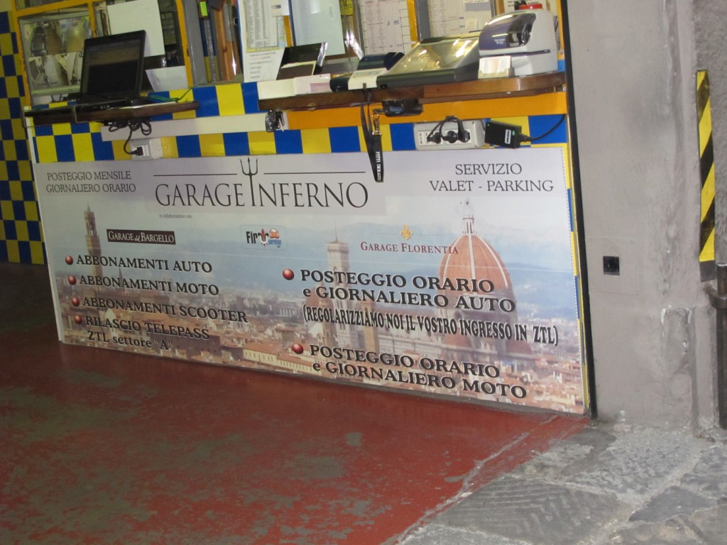 Via dell'Inferno is hell for cars - who thought of making a garage here?