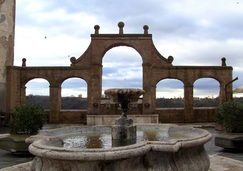 Fountain of the seven spouts in Pitigliano [Photo Credits: Stefano Costantini]