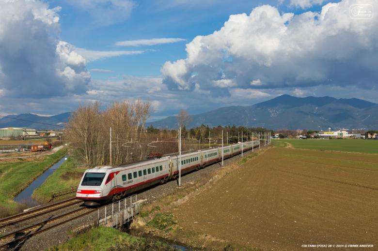 Frecciabianca train in the area of Coltano