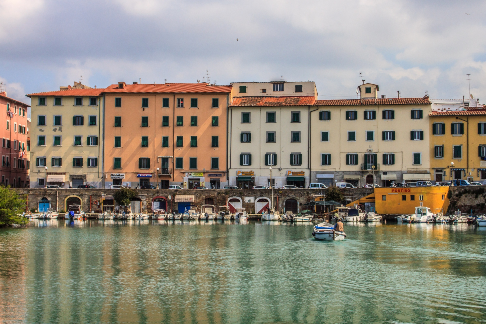 8 coastal towns in the province of livorno visit tuscany for Small east coast beach towns