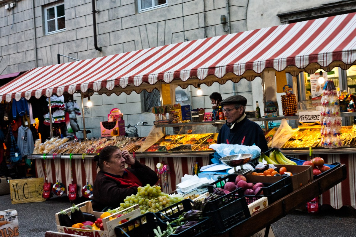 People in Lucca [Photo Credits: Fabrizio Angius]