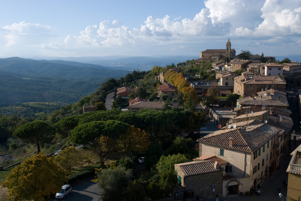Montalcino [Photo credits: tonyduckles]