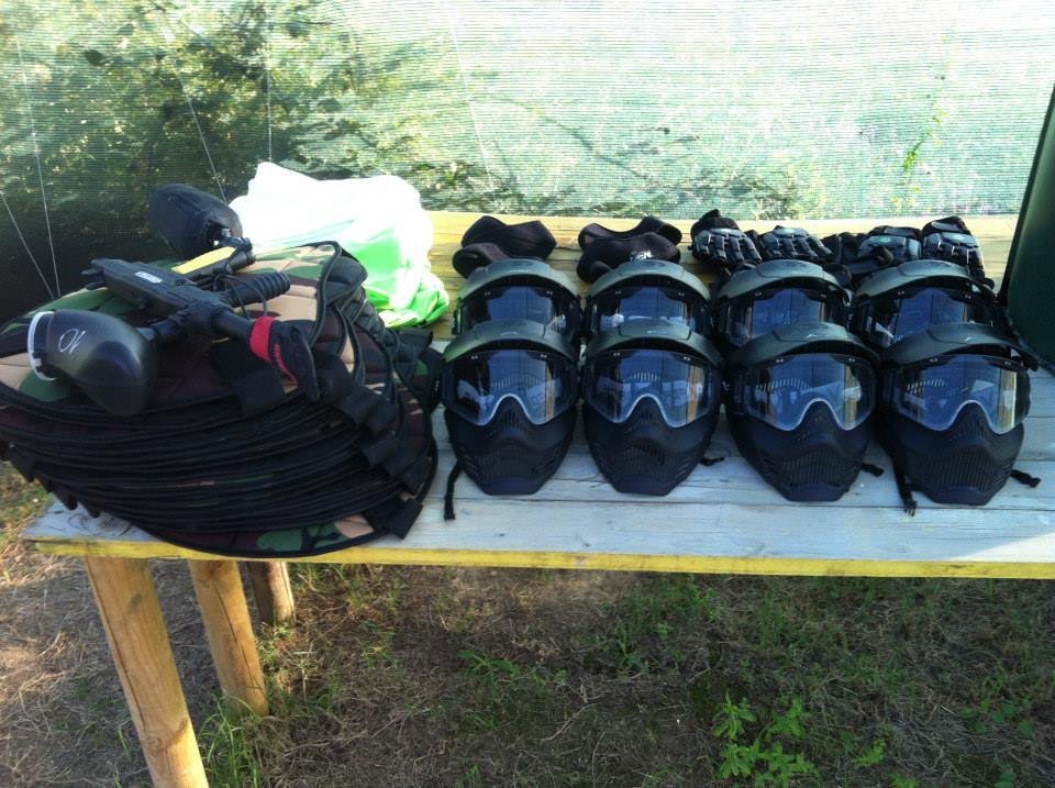 Paintball equipment [Photo Credits: Paintball Lucca]