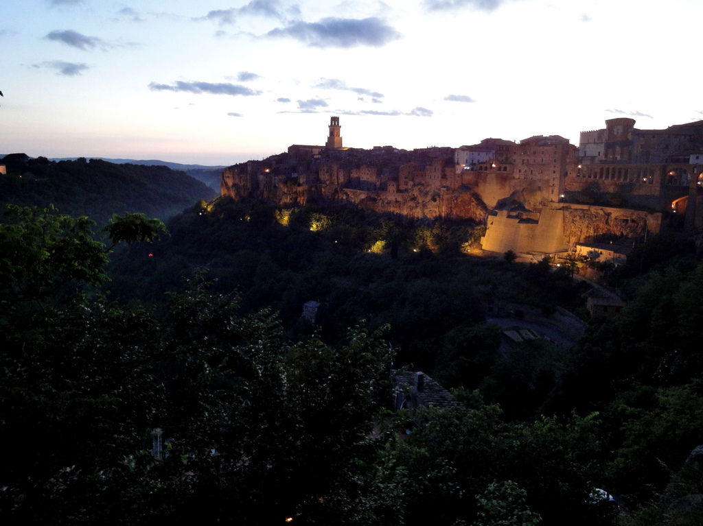 Tramonto a Pitigliano - [Photo Credits: Jim Forest http://bit.ly/VR5clP]