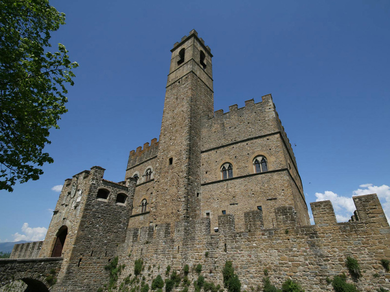 Lo splendido castello dei Conti Guidi a Poppi [Photo Credits: <a href=