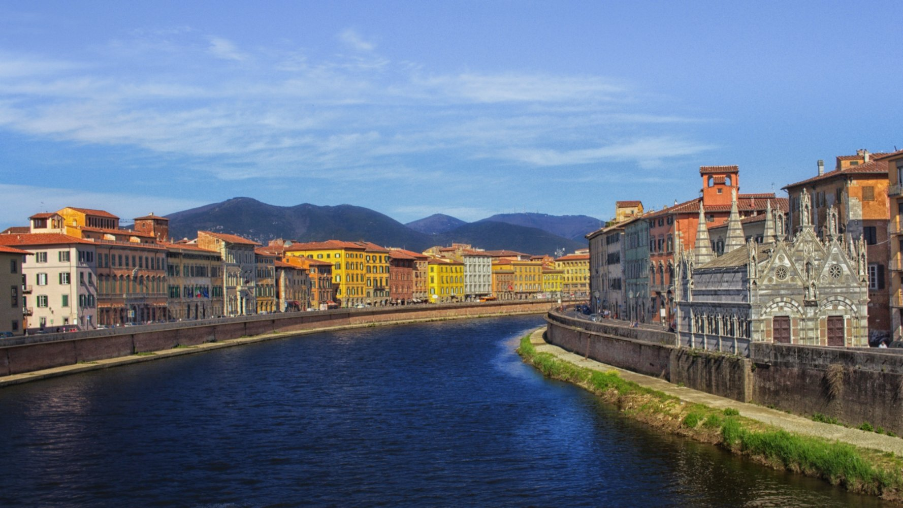 River Arno in Pisa and the Santa Maria della Spina Church
