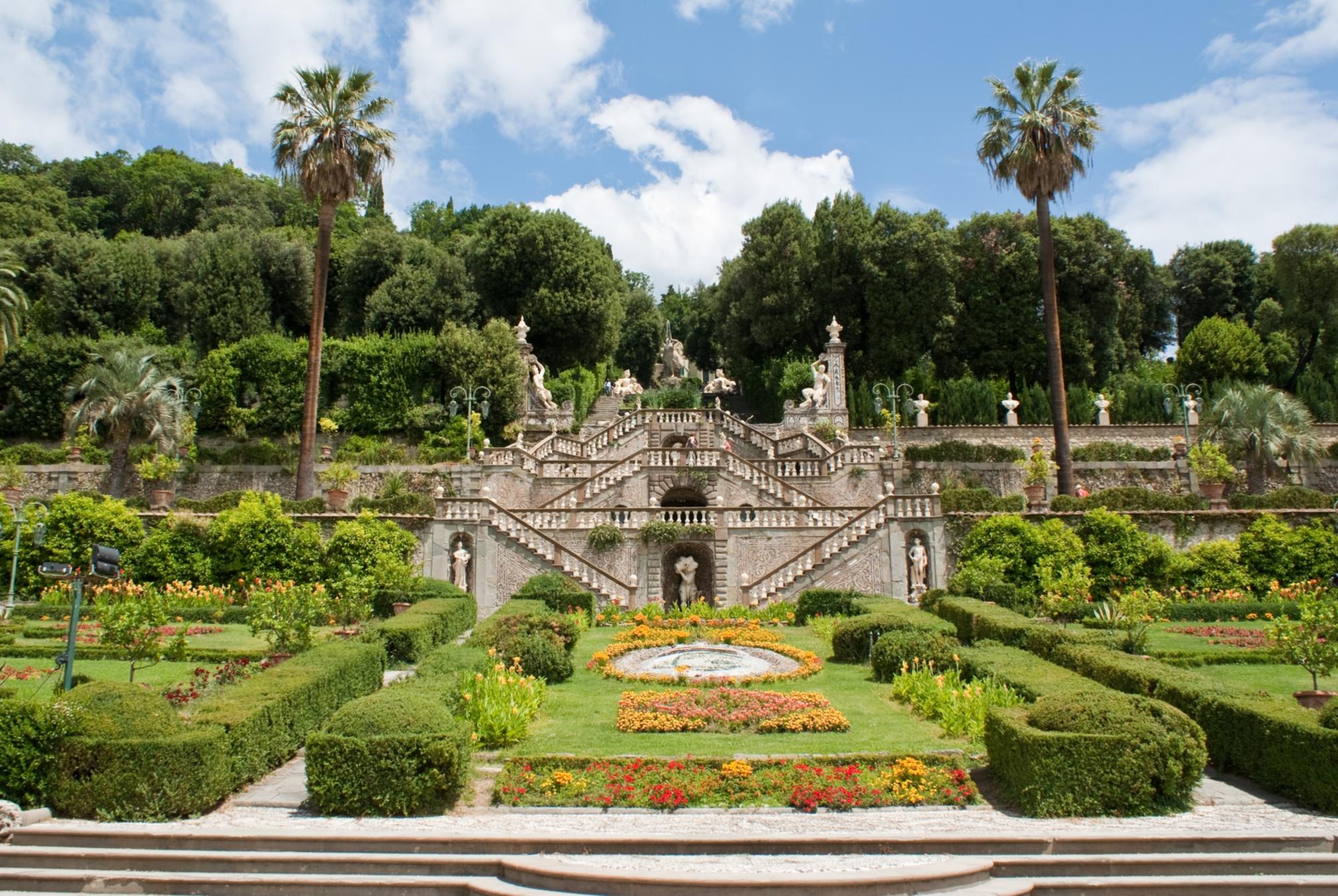 In viaggio nei giardini toscani tra profumi e colori for Laghetti nei giardini