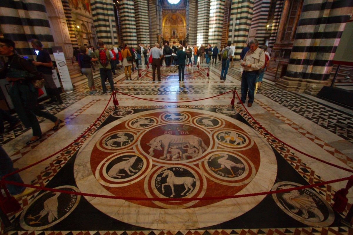 Il pavimento del duomo di siena visit tuscany for Disegni unici del pavimento