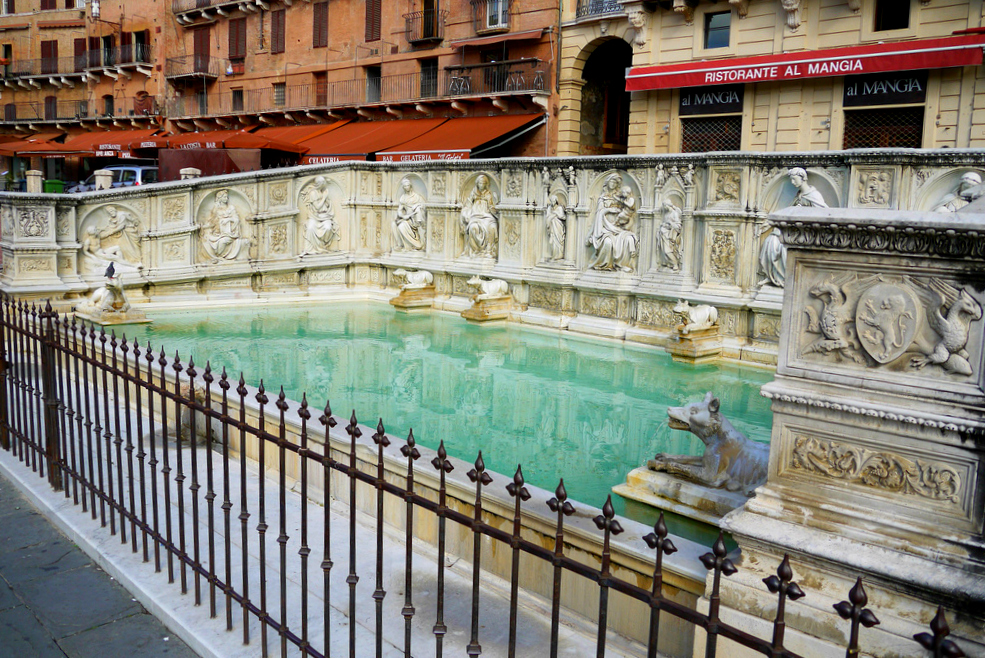Fonte Gaia in Siena [Photo Credits: Richard, enjoy my life!<br /> ]