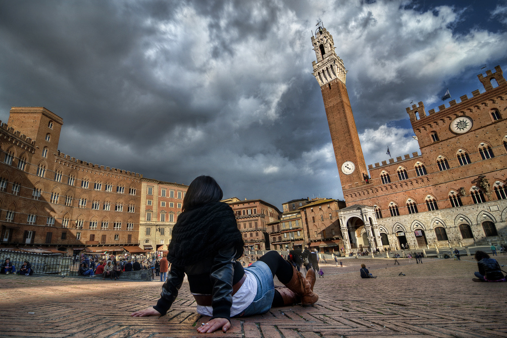 Piazza del Campo [Photo Credits: Any.colour.you.like]
