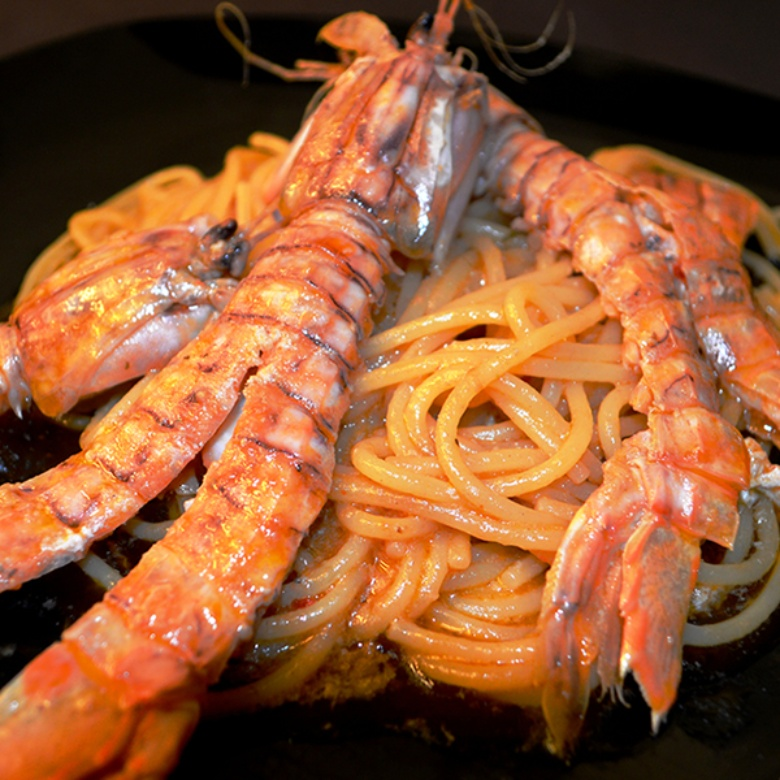 Spaghetti with mantis shrimps sauce at Sosta Cavalieri restaurant in Pisa