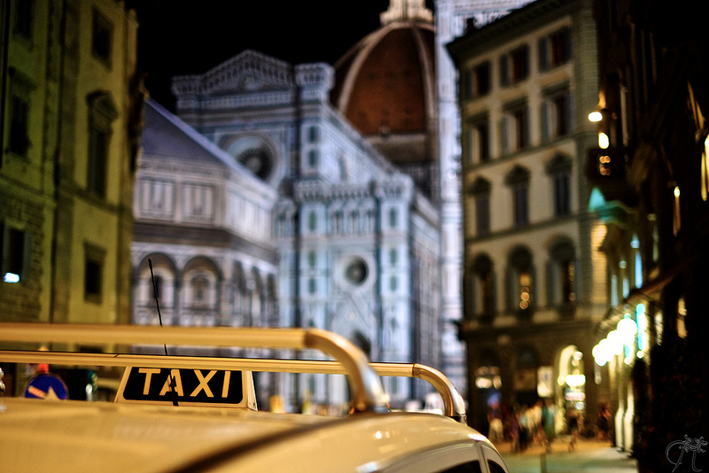 Taxi in Florence [Photo Credits: Jonathan Adami]