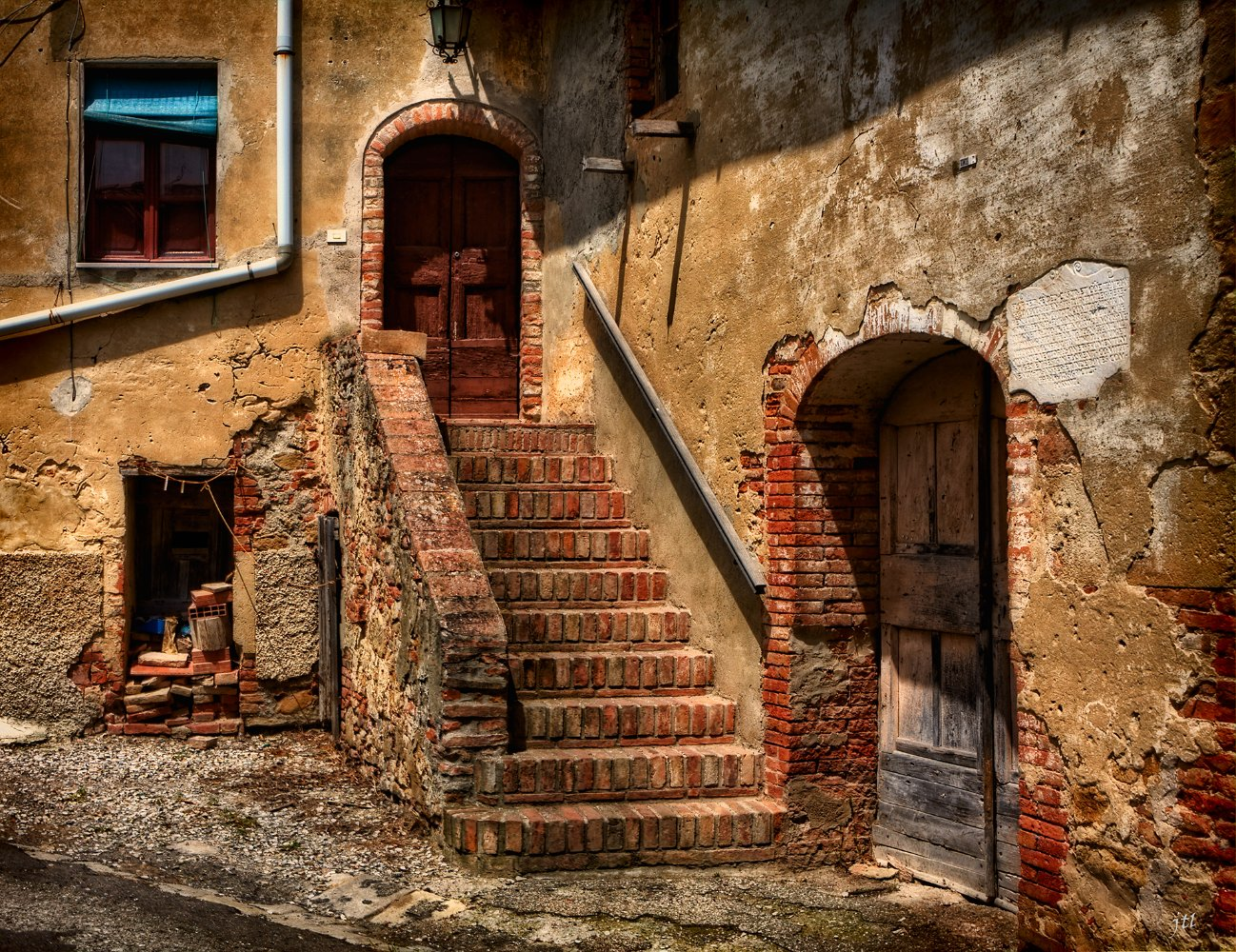 Abandoned towns and ghost villages visit tuscany for Foto di case antiche