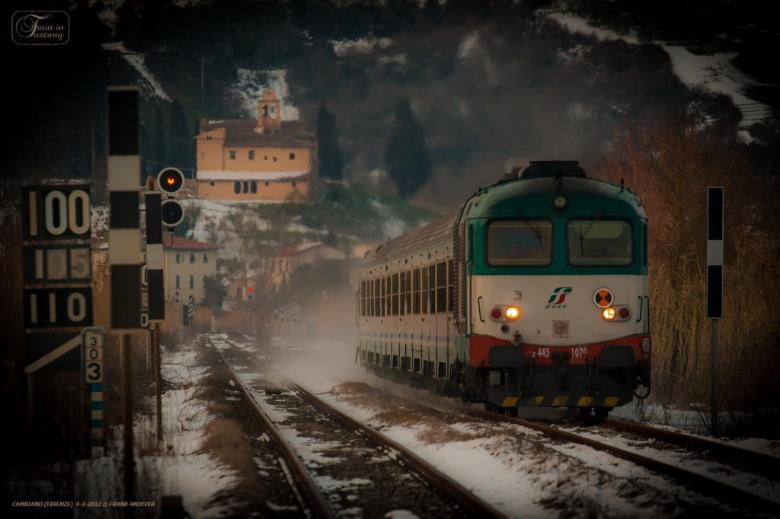Train & snow in Cambiano