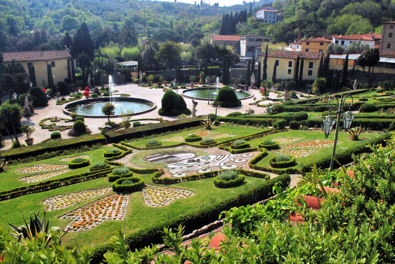 Villa Garzoni and its garden | Visit Tuscany