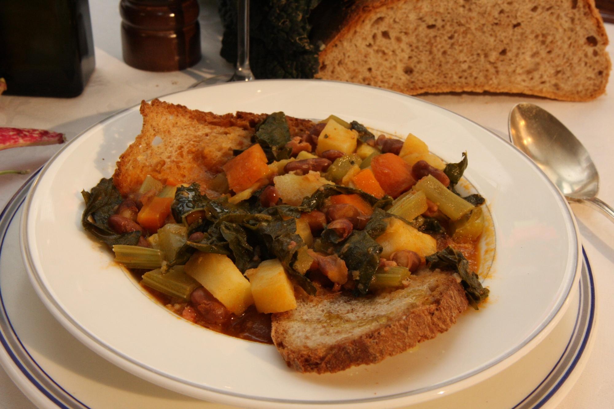 La ricetta della zuppa alla frantoiana | Visit Tuscany