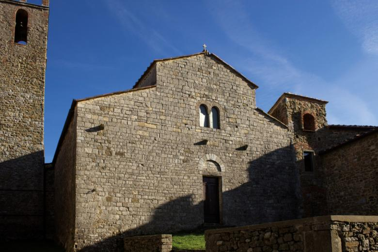 Romanesque parish church in San Vincenti