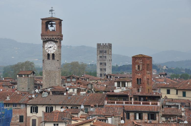The clock tower in Lucca