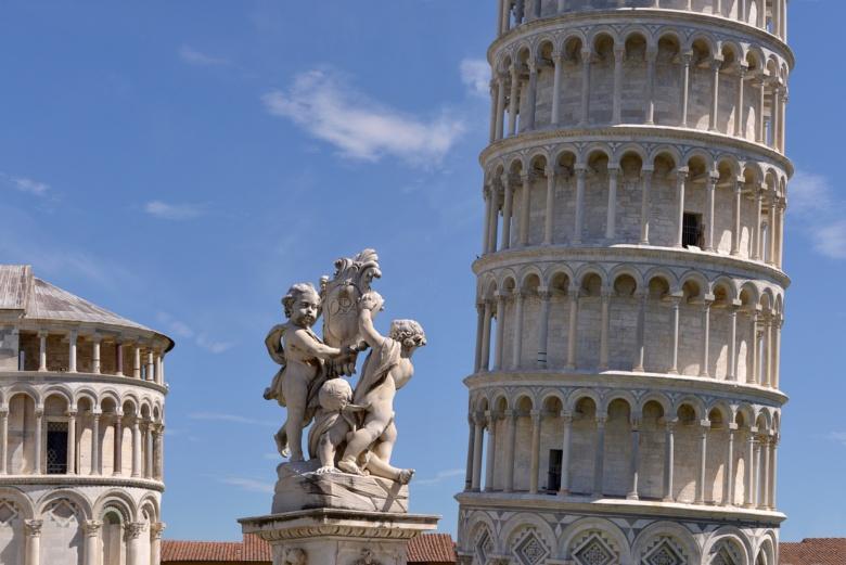 La fontana dei Putti in Piazza dei Miracoli, Pisa