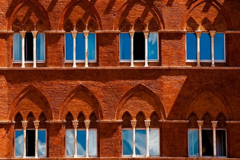 Windows of a building at Piazza del Campo